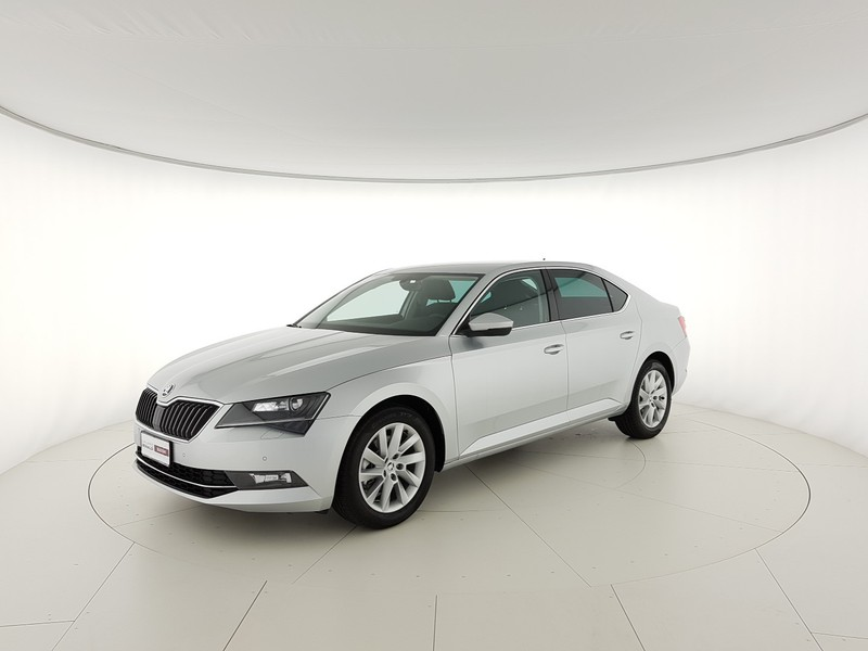 Skoda Superb 2.0 tdi Executive 150cv dsg my17 Veicolo Km 0